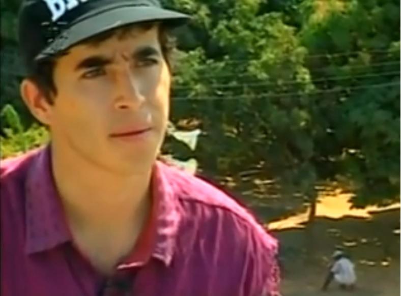 """Eduardo Rodrigues Siqueira, o Pigmeu, durante entrevista em 1996 para o documentário """"Vida Bandida"""" de Regis Faria."""