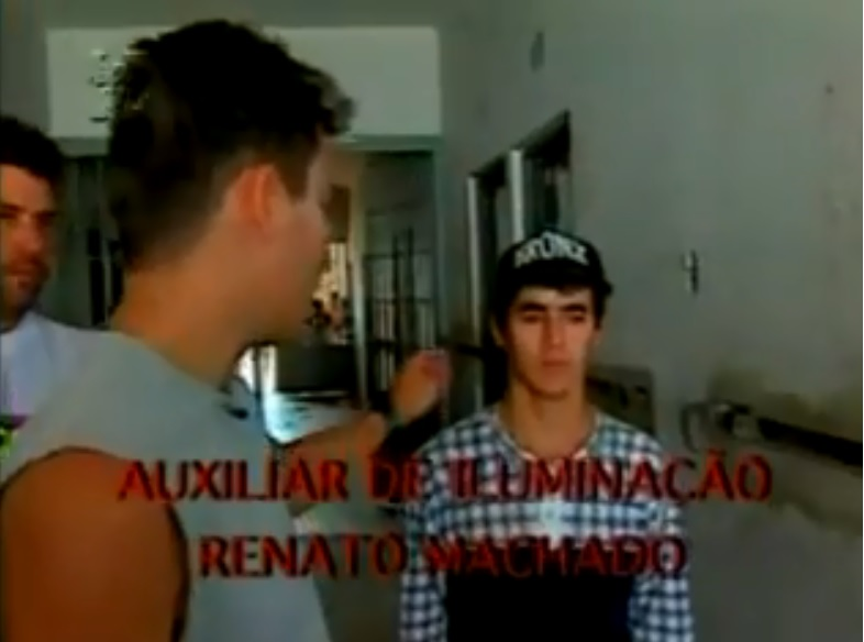 """Leonardo Pareja, à esquerda, e Eduardo Siqueira, o Pigmeu, durante filmagens do documentário """"Vida Bandida""""."""